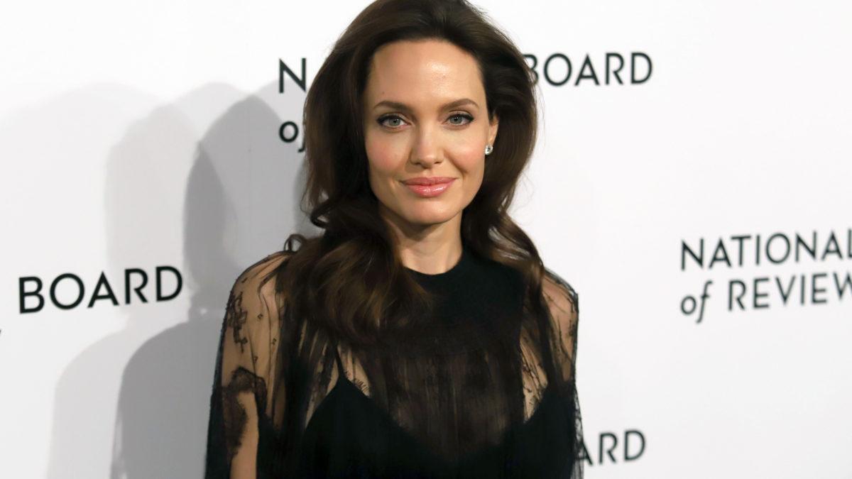 Cancer du sein : l'exemple d'Angelina Jolie est-il vraiment à suivre ?